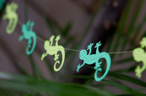 Gecko Garland by red elephant creative